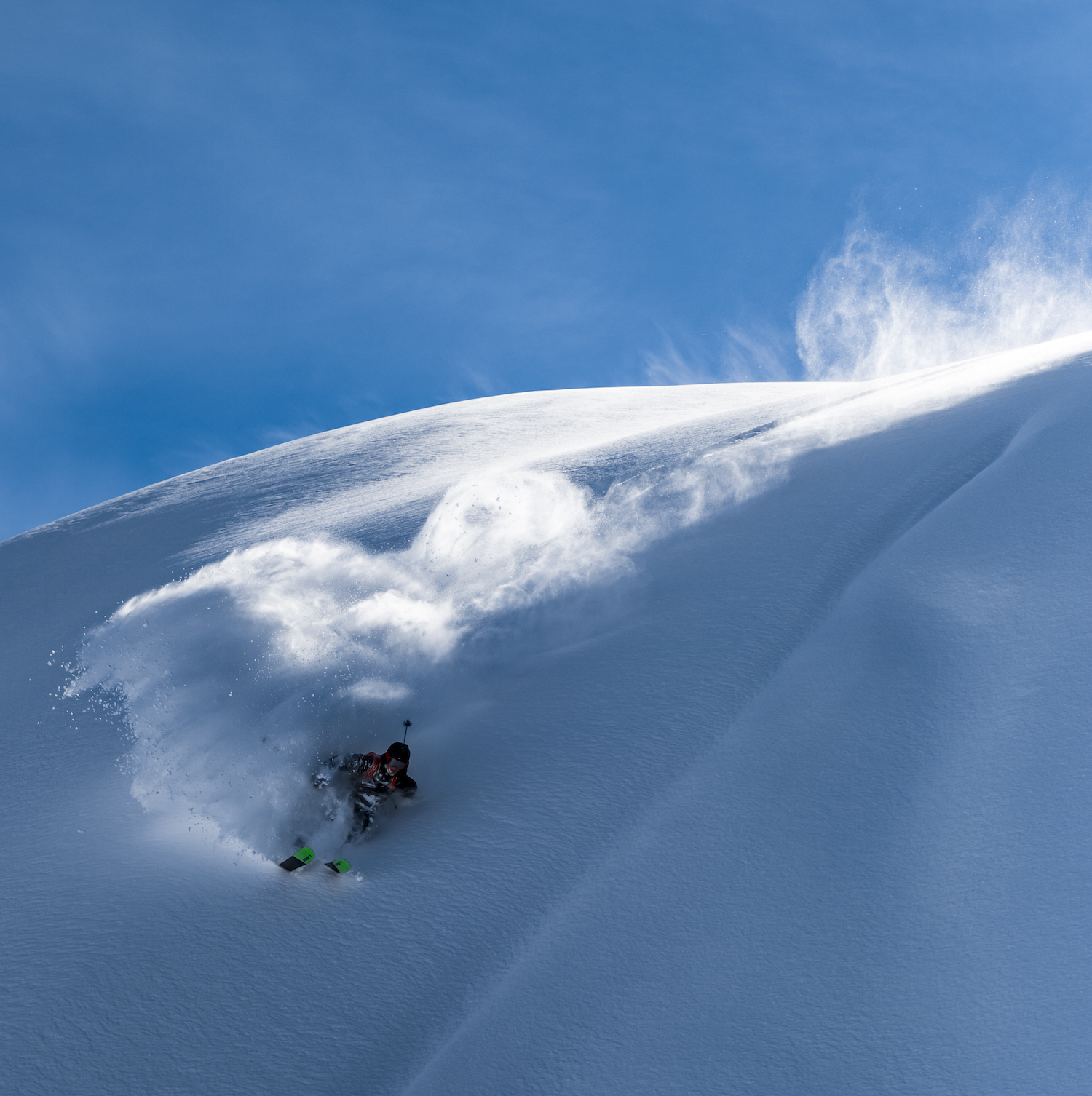 Elias Dad going full Throttle in the snow.