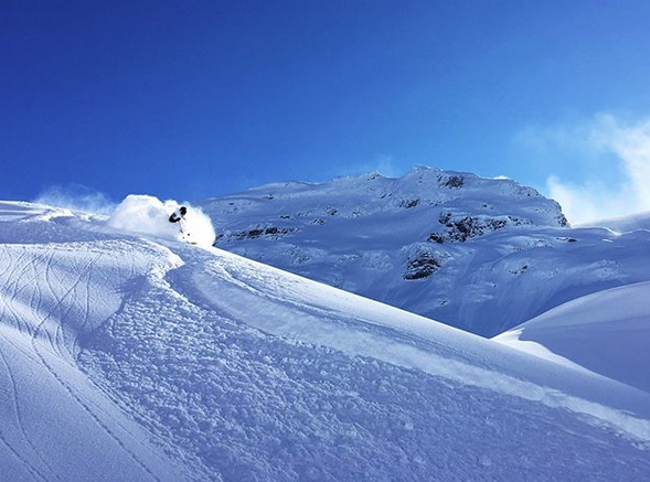 Jenni kaipanen and jussi out on tuesday skiing powder.